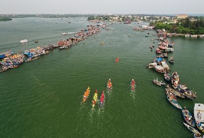 Hội An tổ chức đua thuyền, phát động vụ đánh bắt cá nam